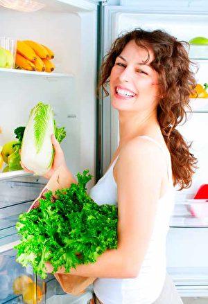 只偏重某一种食物或饮食,容易造成身体的不健康。硅谷中医师常欣说这种饮食误区常引发疾病。(Shutterstock)