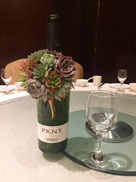 """在喜宴桌上的""""多肉植物捧花""""惊艳宾客。(曾维中提供)"""