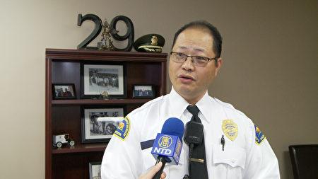 核桃 - 鑽石巴警局志願者 David Phan。(楊陽/大紀元)