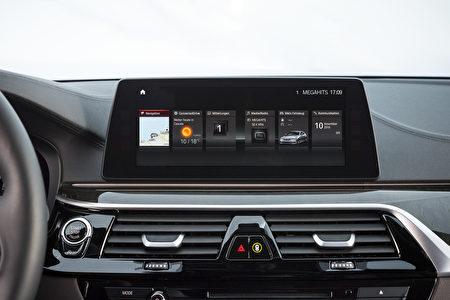 寶馬530d中控臺(BMW提供)