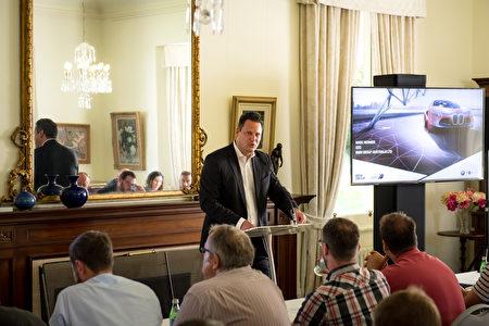 寶馬集團澳大利亞CEO Marc-Heinrich Werner先生在推介會上發言。(BMW提供)