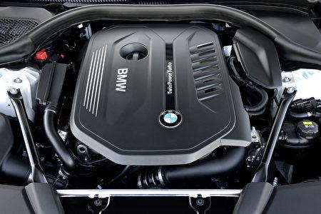 寶馬540i發動機特寫(BMW提供)