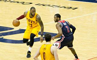 組圖:NBA詹姆斯神奇一投 騎士險勝奇才