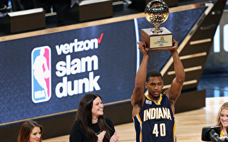 NBA灌篮大赛  步行者后卫罗宾逊夺冠