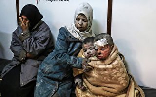 叙利亚女童瓦砾中奇迹获救 影片超震撼