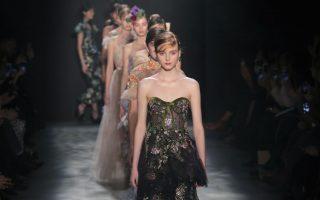 2017秋冬时装秀 Marchesa灵感来自中国古代