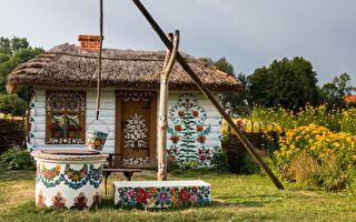 組圖:四處可見美麗彩繪花朵的波蘭村莊