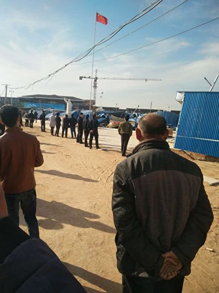 河南省滑县城关镇刘店村菜市场于3月2日被暴力强拆,有十余人当场被抓,数名村民被打伤。(受访者提供)