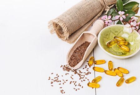 亞麻籽和亞麻籽油膠囊(fotolia)