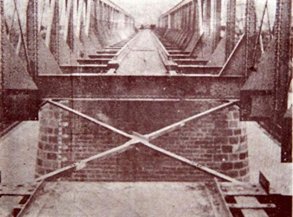 1930年代平漢鐵路上的漯河鐵橋(維基百科公有領域)