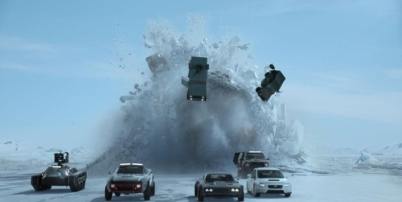 《玩命关头》系列电影第一次在古巴,冰岛和纽约拍摄,更出动潜水艇。(UIP提供)