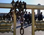 據港媒披露,中共的第二波軍改計畫在三年內完成,預計將有26,000名現役高、中級軍官面臨清洗、整治。(Feng Li/Getty Images)