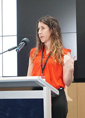 Kantar Public的首席执行官及研究员奥多诺霍(Kathy O'Donoghue)表示,研究显示家暴现象颇为严重。(燕楠/大纪元)