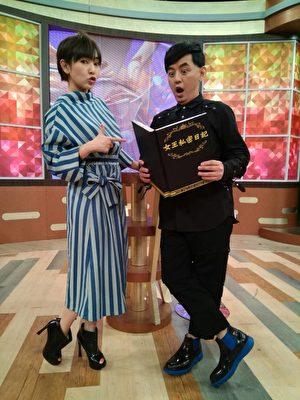 黄子佼(左)跟蔡灿得(右)将这段爱情升华为友谊。(福斯传媒提供)