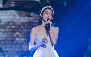 范范重返舞台深圳开唱 黑人感受辛苦想掉泪