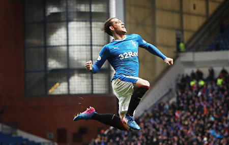 GLASGOW, SCOTLAND - MARCH 04: Joe Garner of Rangers celebrates scoring his team's sixth goal during the Scottish Cup Quarter final match between Rangers and Hamilton Academical at Ibrox Stadium on March 4, 2017 in Glasgow, Scotland. (Photo by Ian MacNicol/Getty Images)