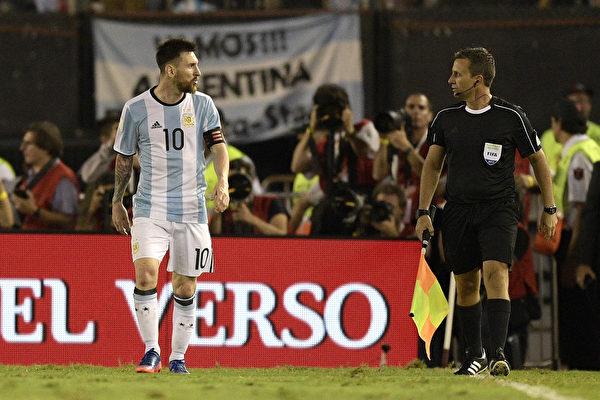 梅西辱骂边裁遭停赛 阿根廷恐无缘世界杯