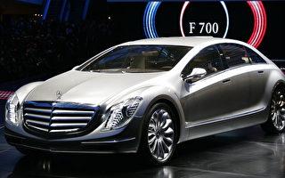 奔馳的銷售量漲幅最大,穩居澳洲市場上最受歡迎奢侈車品牌地位。 (TORSTEN SILZ/AFP/Getty Images)