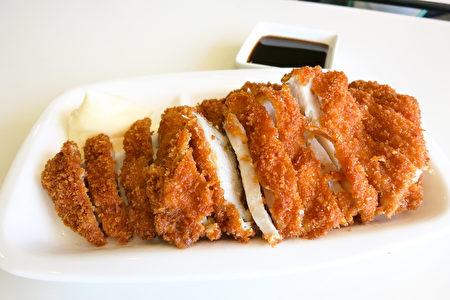 珀斯美食 Furusato最棒的日式炸鸡排。(田珊/大纪元)