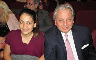 黎巴嫩驻阿大使:向神韵艺术总监祝贺
