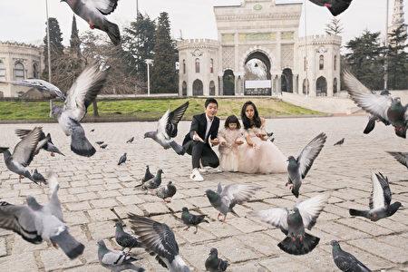 宥勝攜妻小浩浩蕩蕩拍婚紗。(怡佳娛樂提供)