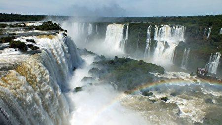 """被誉为""""世界新七大自然奇观""""的伊瓜苏瀑布。(thomaslkiefer/CC/Pixabay)"""