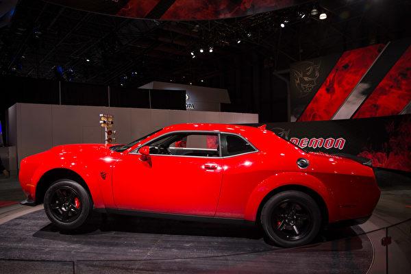 紐約國際車展新車發表,2018 Dodge Challenger SRT Demon 。(戴兵/大紀元)