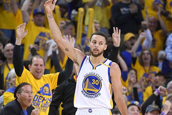 NBA季後賽開拓者末節當機 勇士拿首勝