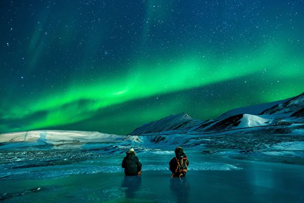組圖:挪威極光下的最浪漫求婚 驚喜度滿分