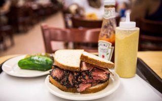 百年熏牛肉三明治 欲全球送餐