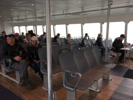 新渡船行駛的非常穩,跟舊船一比,只有稍稍的一點晃動,而且速度很快,幾乎聽不到噪音。
