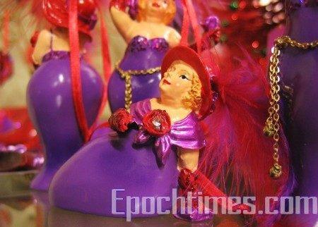童话小镇OLINDA上的小店售卖的纪念品。(大纪元)