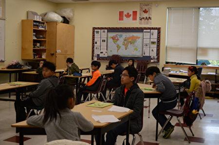 圖:兒童華語文能力測驗在列治文國語學校舉行,圖為考試現場。(邱晨/大紀元)