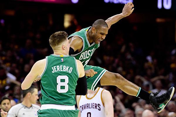 NBA季後賽綠衫軍21分逆轉 三分絕殺騎士