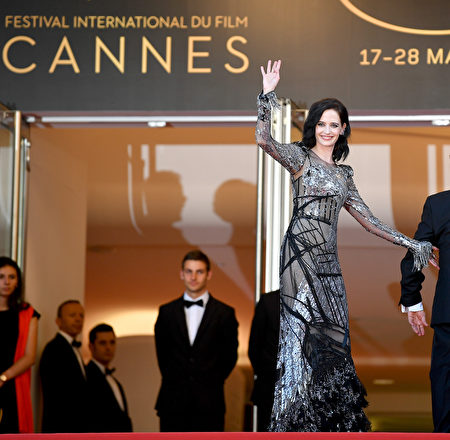 """CANNES, FRANCE - MAY 27: Eva Green attends the """"Based On A True Story"""" screening during the 70th annual Cannes Film Festival at Palais des Festivals on May 27, 2017 in Cannes, France. (Photo by Pascal Le Segretain/Getty Images)"""
