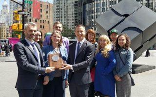 改進行人安全 紐約市獲「白金獎」
