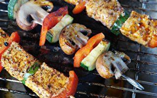 营养学家:肉类这样烧烤 致癌物最少