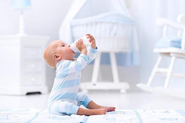 最新研究:不要给一岁以下婴儿喝果汁