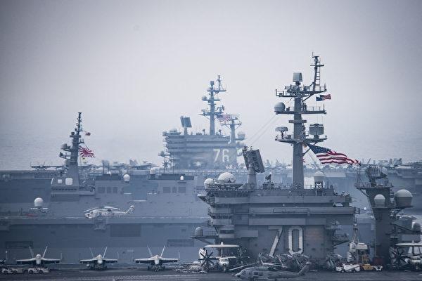 震撼 美國兩航母與日艦聯合軍演視頻曝光