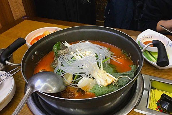 韩国美食——明洞元堂脊骨土豆汤