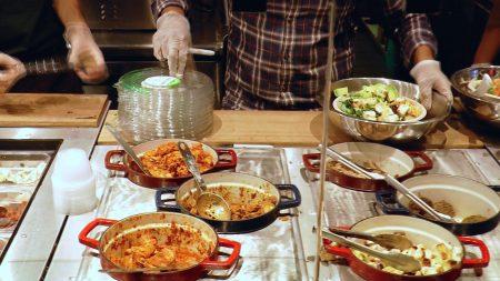 各式的亚洲风味美食。