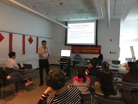 美东中英双语教育学会副会长、ESL老师彭为民讲解新移民学生学好英语的方法。