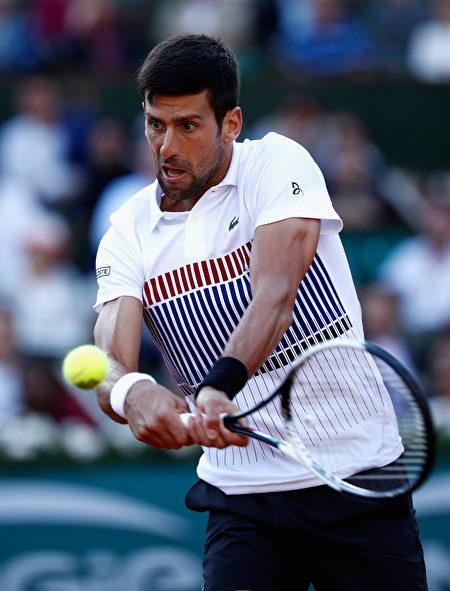 卫冕冠军德约科维奇连续第八年晋级法网八强。 (Adam Pretty/Getty Images)
