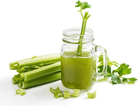 芹菜汁(Fotolia)