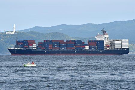 菲律宾旗舰商船是菲玆杰拉德号的三倍大。(Photo credit should read KAZUHIRO NOGI/AFP/Getty Images)