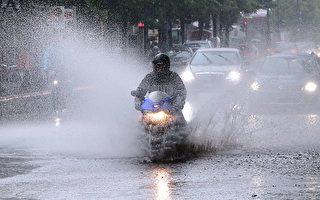 德国北部持续暴雨 首都柏林几乎瘫痪