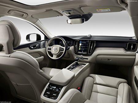 全新XC60重视智能安全科技,今夏将登陆美国。 (本图由东湾富豪Volvo车行,McKevitt Volvo提供)