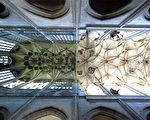 五百年的孤寂──捷克圣芭芭拉大教堂