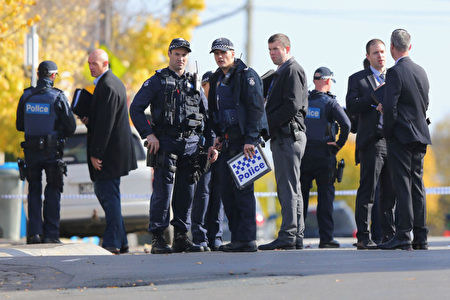 6月6日,墨尔本恐袭后,警方仍在现场进行调查。(Michael Dodge/Getty Images)