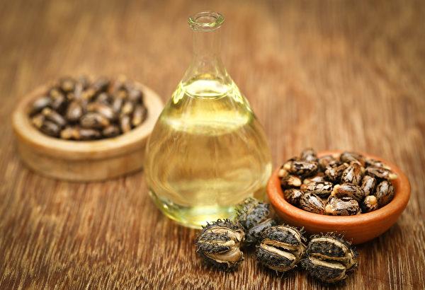 蓖麻油传统上用于治疗多种疾病,如痢疾、哮喘、便秘、炎症性肠道疾病和膀胱、阴道感染。(shutterstock)